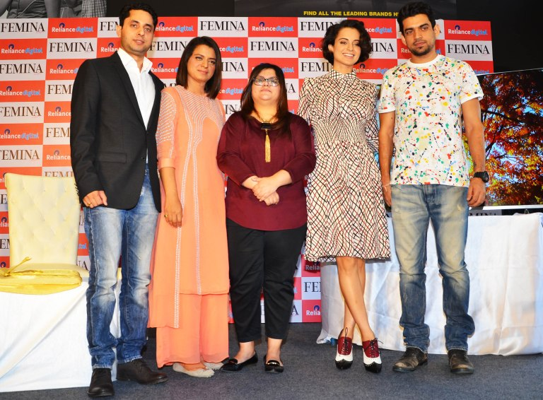 Rangoli, Tanya Chaitanya (Editor, FEMINA) & Kangana Ranaut with Brother in Law at unveiling of FEMINA'S Women's Day Special issue at Reliance Digital Store, Juhu.2 (1)