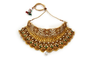 22k-gold-traditional-jadau-neckpieces-with-semi-precious-stones-and-delicate-carving-complete-with-floral-inspirations