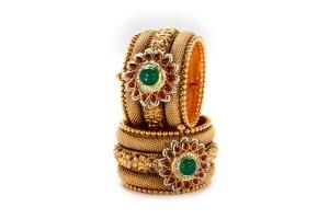 22k-jadau-bangles-enscrusted-with-semi-precious-stones-6