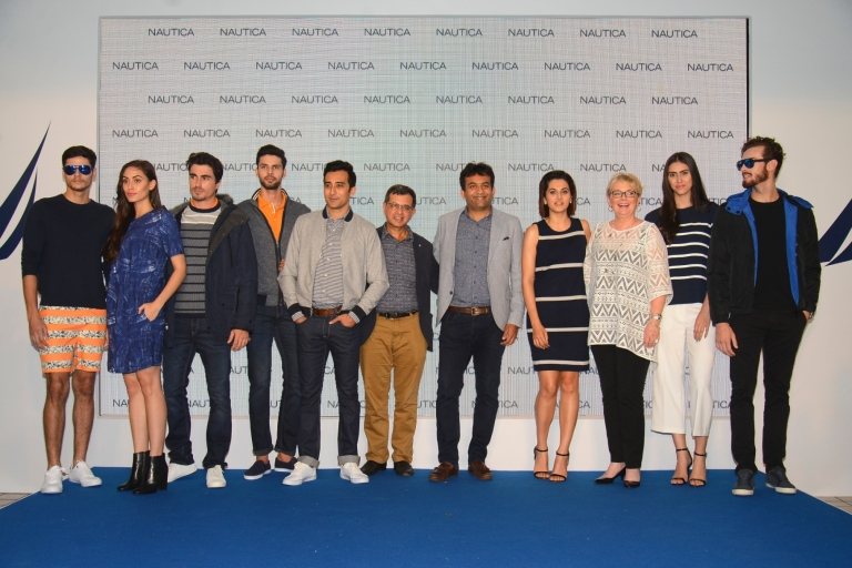 nautica-team-along-with-the-models