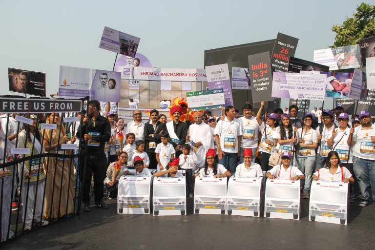 1000 strong team of Shrimad Rajchandra Love and Care at the marathon