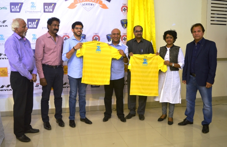 Mumbai FC Vice President, Atul Badgamia (centre), Aditya Thackeray (3rd left), Sagar Sule, CEO Playwin (3rd right), Head Coach Santosh Kashyap (extreme right), Dr. S. Narayani (2nd right) from Fortis, Mulund, Healthcare Partner and WIFA Secretary Souter Vaz and CEO Henry Menezes during the jersey launch.