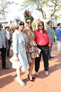 natasha-delna-poonawala-with-a-friend