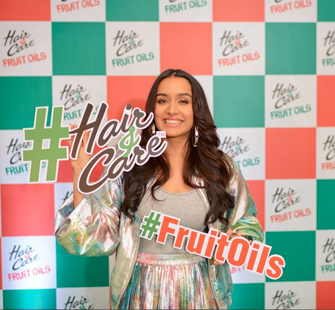 Shraddha Kapoor launches Hair&Care Fruit Oils (1)