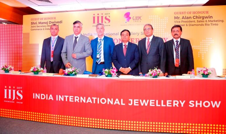 Pic 3 - GJEPC IIJS 2017.JPG