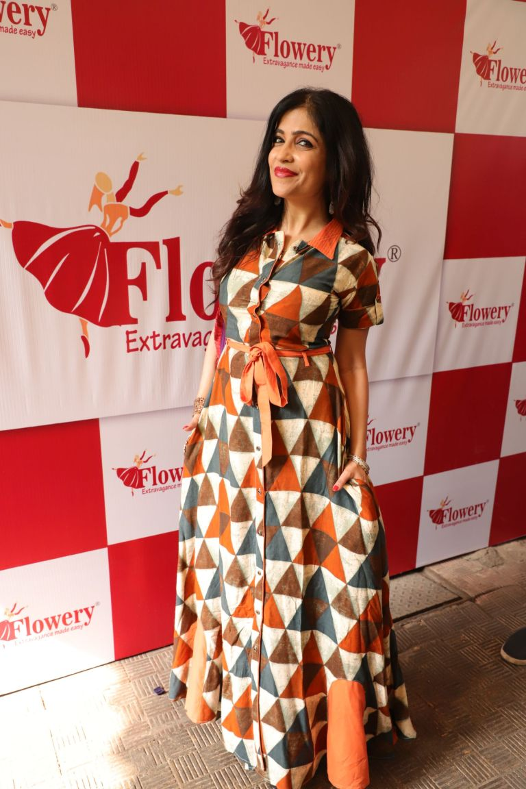 Shibani Kashyap at Flowery Fashions New Collection launch (1).JPG