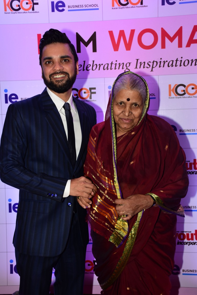 Karan Gupta and Sindhutai Sakpal at the Karan Gupta Education Foundation's I Am Woman Awards 2019.JPG